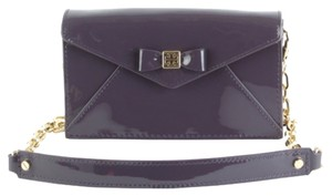 Tory Burch Bow Envelope Patent Leather Envelope Cross Body Bag
