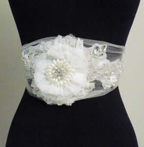 Soft Tulle Bridal Sashes Handmade Flowers Organza Beads Beading Sequin Rhinestons Bridal Belt Wedding Accessories