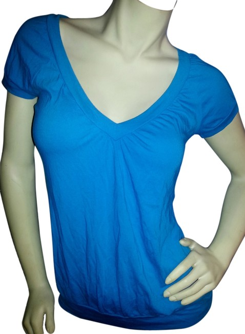 Preload https://img-static.tradesy.com/item/6779989/american-dream-blue-v-neck-fitted-pullover-blouse-size-12-l-0-1-650-650.jpg