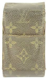 Louis Vuitton Louis Vuitton Monogram Cellphone Case LVAV190
