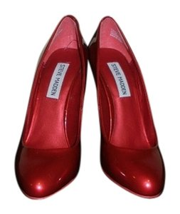 Steve Madden Hot Shiny Red Pumps