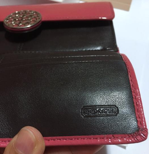 Coach COACH - PINK Patent Leather - Tri-fold, Full Size Wallet Image 10