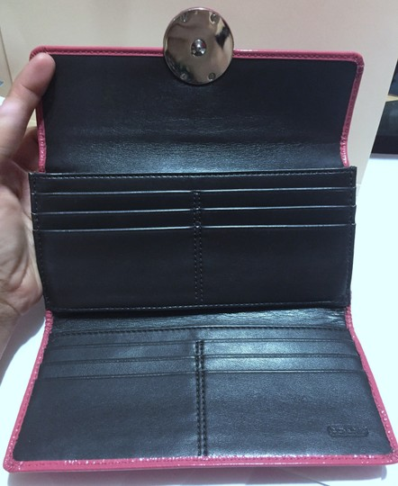 Coach COACH - PINK Patent Leather - Tri-fold, Full Size Wallet Image 2