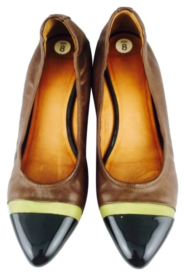 Preload https://img-static.tradesy.com/item/6782809/givenchy-brown-with-black-patent-pointed-flats-size-us-8-regular-m-b-0-1-540-540.jpg