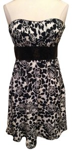 White House | Black Market Strapless Size 8 Whbm Dress