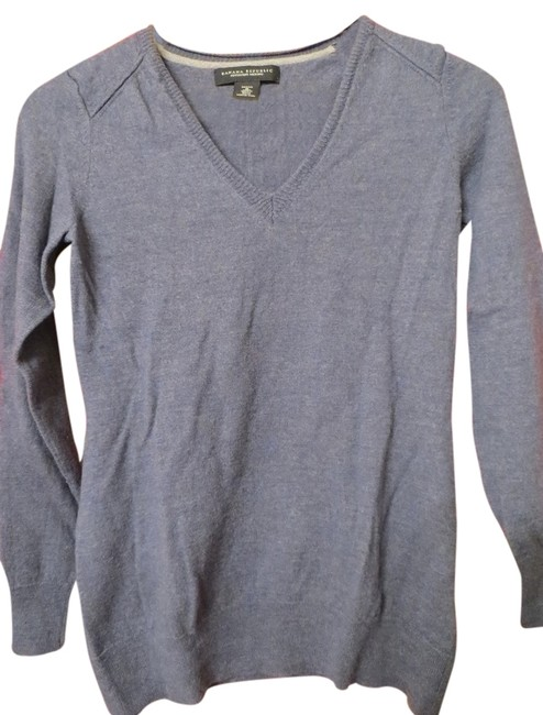 Banana Republic Wool V-neck Sweater