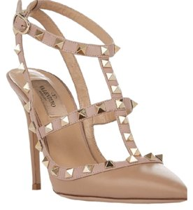 d45117d227ea8 Women s Pink Valentino Shoes - Up to 90% off at Tradesy