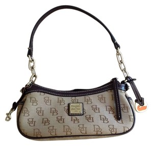 Dooney & Bourke & Designer Logo Shoulder Bag