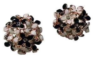 Other 14K Gold Filled Flower Cluster Stud Earrings Gold Black White J1308