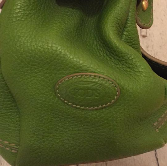 Tod's Satchel in bright green Image 1