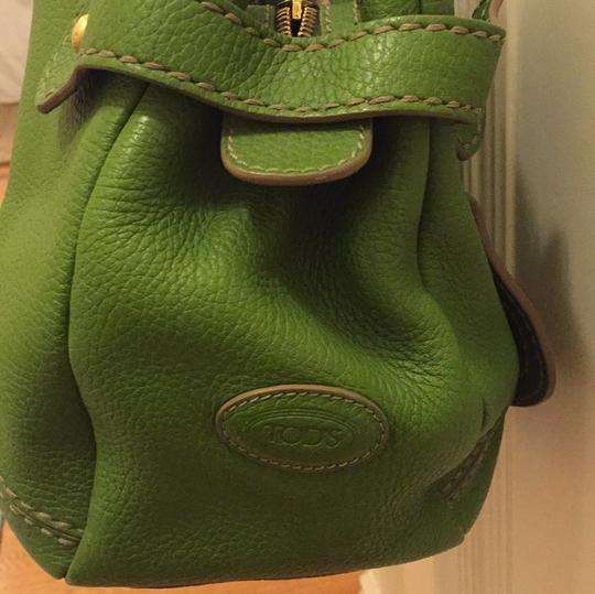 Tod's Satchel in bright green Image 4