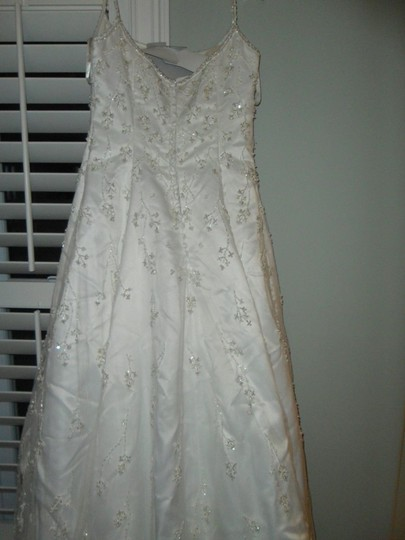 Mori Lee Diamond/Silk White Unknown Traditional Wedding Dress Size 8 (M)