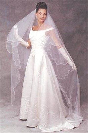 New - 2-tier Cathedral Veil With Scalloped Edge &