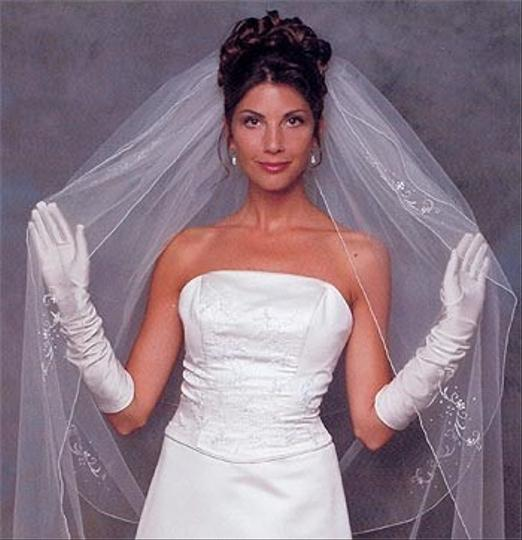 Ansonia Bridal New - Elbow Length Wedding Veil With Floral Edging
