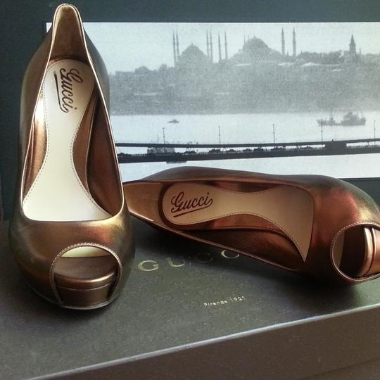 Gucci Peep Toe Leather Metallic Stiletto Bronze Pumps Image 11