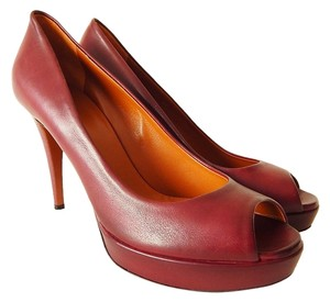 Gucci Peep Toe Leather Platform Open Toe Burgunday Pumps