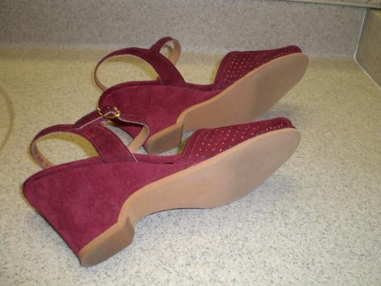 Connie BURGUNDY SUEDE Wedges