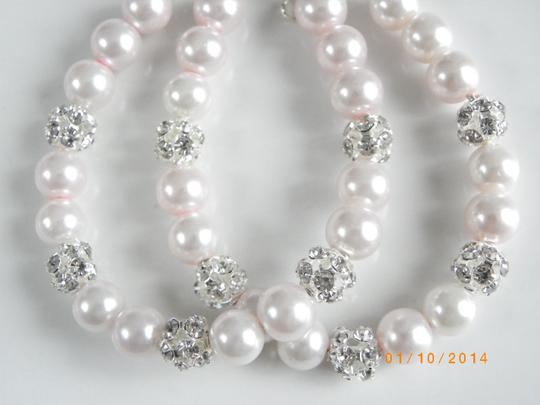 Preload https://item3.tradesy.com/images/pink-sale-set-of-6-pearl-bridesmaid-of-6-bridesmaid-pearl-bridesmaid-bracelet-681967-0-0.jpg?width=440&height=440