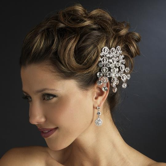 Preload https://item1.tradesy.com/images/silver-antique-round-cut-dangle-rhinestone-comb-hair-accessory-682020-0-0.jpg?width=440&height=440
