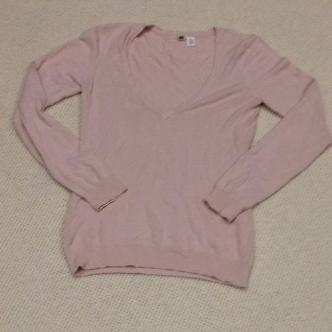 Preload https://img-static.tradesy.com/item/682483/rose-long-sleeve-light-pink-sweater-0-0-650-650.jpg