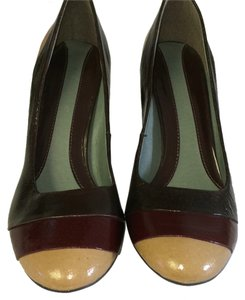 Kenneth Cole Reaction Brown Platforms