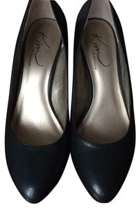 Kim Rogers Navy Blue Pumps