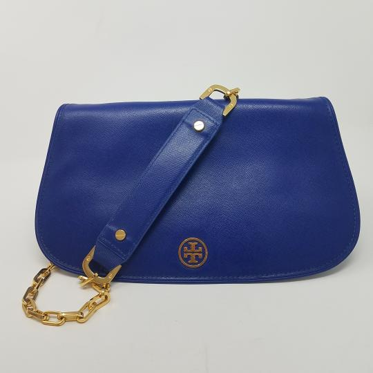 Tory Burch Textured Robinson Gold Hardware Chain Logo Shoulder Bag Image 1