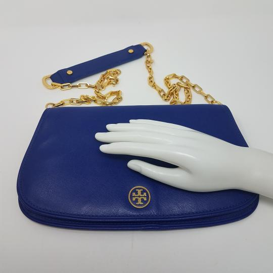 Tory Burch Textured Robinson Gold Hardware Chain Logo Shoulder Bag Image 11
