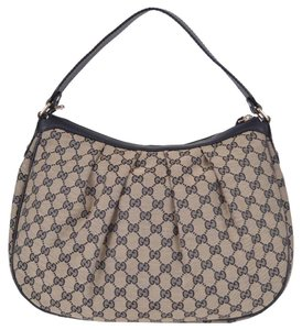 Gucci Hobo Bags - Up to 70% off at Tradesy ad24d29231220
