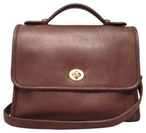 Coach Vintage Classic Leather Handle Court Willis Station Brass Cross Body Bag