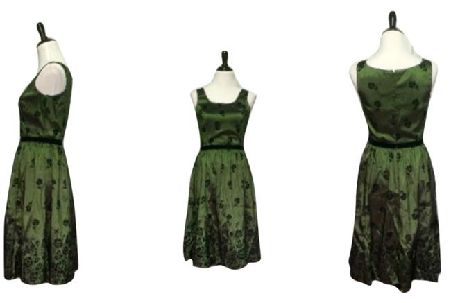 Item - Green & Black Knee Length Night Out Dress Size 8 (M)
