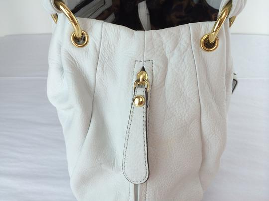 B. Makowsky Victoria Leather Shopper Satchel Tote in white Image 4