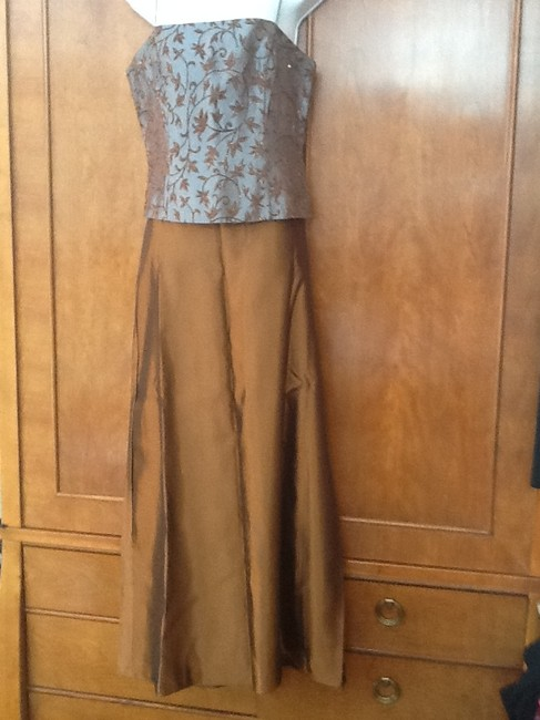 Xscape set Maxi Skirt Caper and dusty blue top Image 2