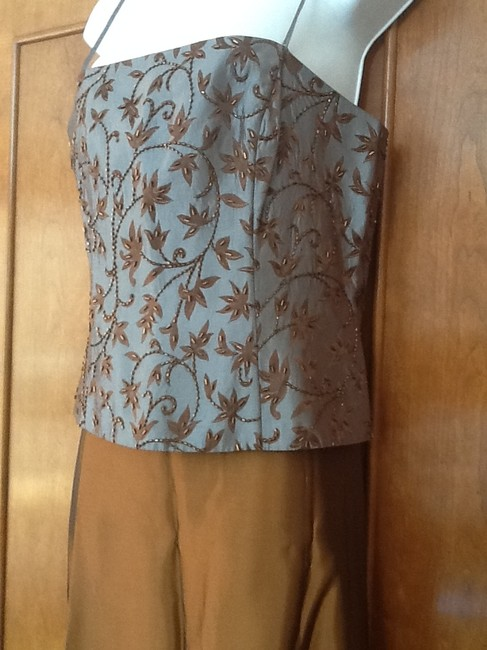 Xscape set Maxi Skirt Caper and dusty blue top Image 3