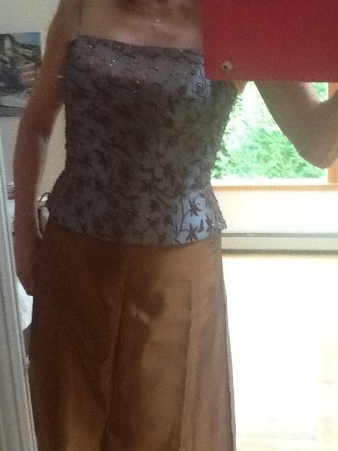Xscape set Maxi Skirt Caper and dusty blue top Image 4