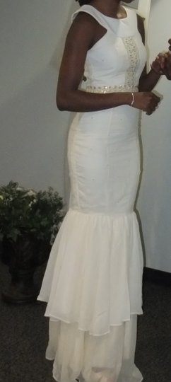 Ivory Silk Embellished with Pearls Mermaid Modern Wedding Dress Size 2 (XS)