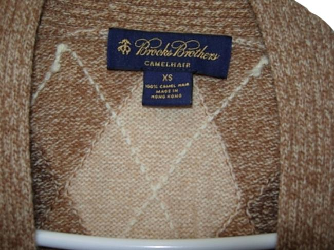 Preload https://img-static.tradesy.com/item/684659/beige-and-brown-wool-size-2-xs-0-0-650-650.jpg