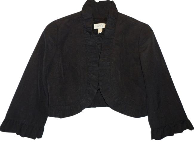 Preload https://img-static.tradesy.com/item/6847891/ann-taylor-loft-black-cropped-jacket-blazer-size-2-xs-0-1-650-650.jpg