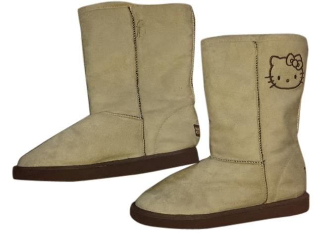 Item - Beige Boots/Booties Size US 6 Wide (C, D)