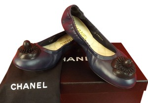 Chanel NAVY / BLACK Flats