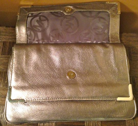 MICHAEL Michael Kors Anthracite Clutch