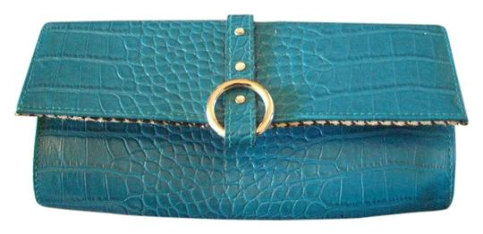 Preload https://img-static.tradesy.com/item/686273/teal-faux-leather-clutch-0-0-540-540.jpg