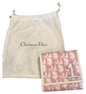 Dior pink & white wallet never used. Comes with dust bag