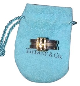 Tiffany & Co. - authentic Tiffany Somerset ring with diamonds