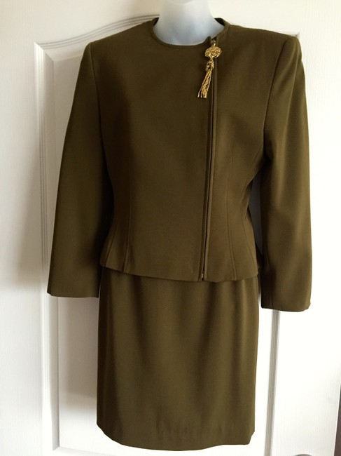 Genny Exquisite vintage designer GENNY 100% wool skirt suit with Jewelry tassel detail