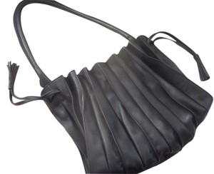 Lupo Icon Pleated Leather Milan's Innovation Award Winner Shoulder Bag