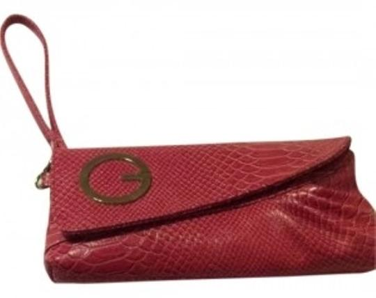 Preload https://item4.tradesy.com/images/guess-pink-clutch-6868-0-0.jpg?width=440&height=440