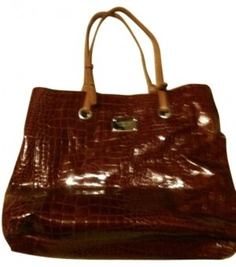 Preload https://img-static.tradesy.com/item/6872/nine-west-burgandy-patent-croc-tote-0-0-540-540.jpg