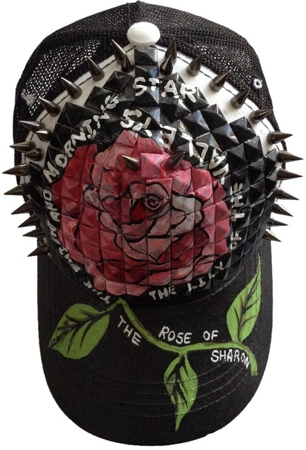 Item - Black and White The Rose Of Sharon Hat