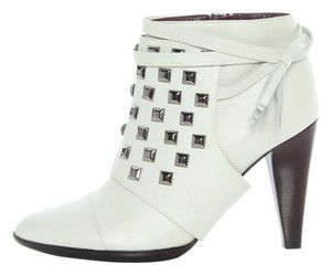 Chanel White Studded Ch.j0224.07 Boots